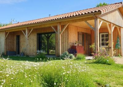 Maison bois-inspirée d'un modèle BRIVES CONSTRUCTIONS